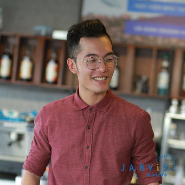 Giảng viên Nguyễn Hoàng Việt