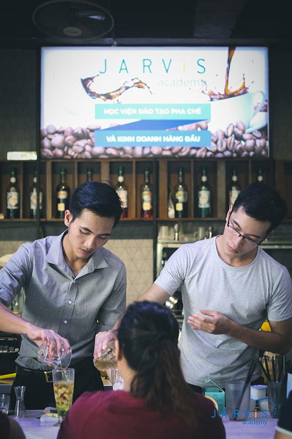 Khóa học quản lý quầy bar tại JARVIS