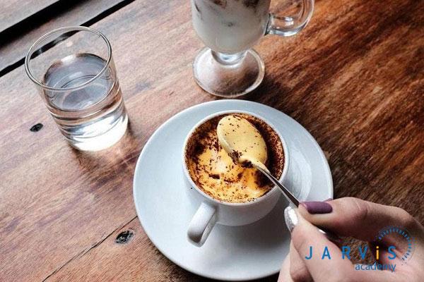 Cà phê trứng quế