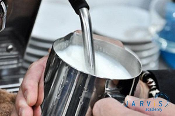 Bước hâm nóng sữa