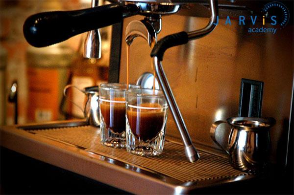 Một tách espresso được cấu thành từ 2 lớp là Crema và Liquid