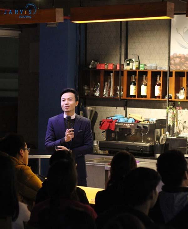 Chọn đơn vị tư vấn giúp bạn có định hướng kinh doanh quán trà sữa hiệu quả.