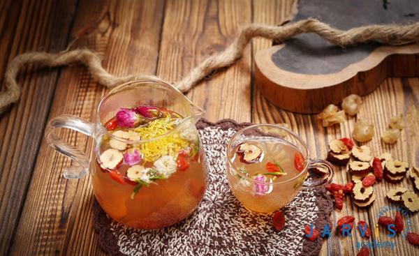 Trà dưỡng nhan làm từ hoa và thảo mộc